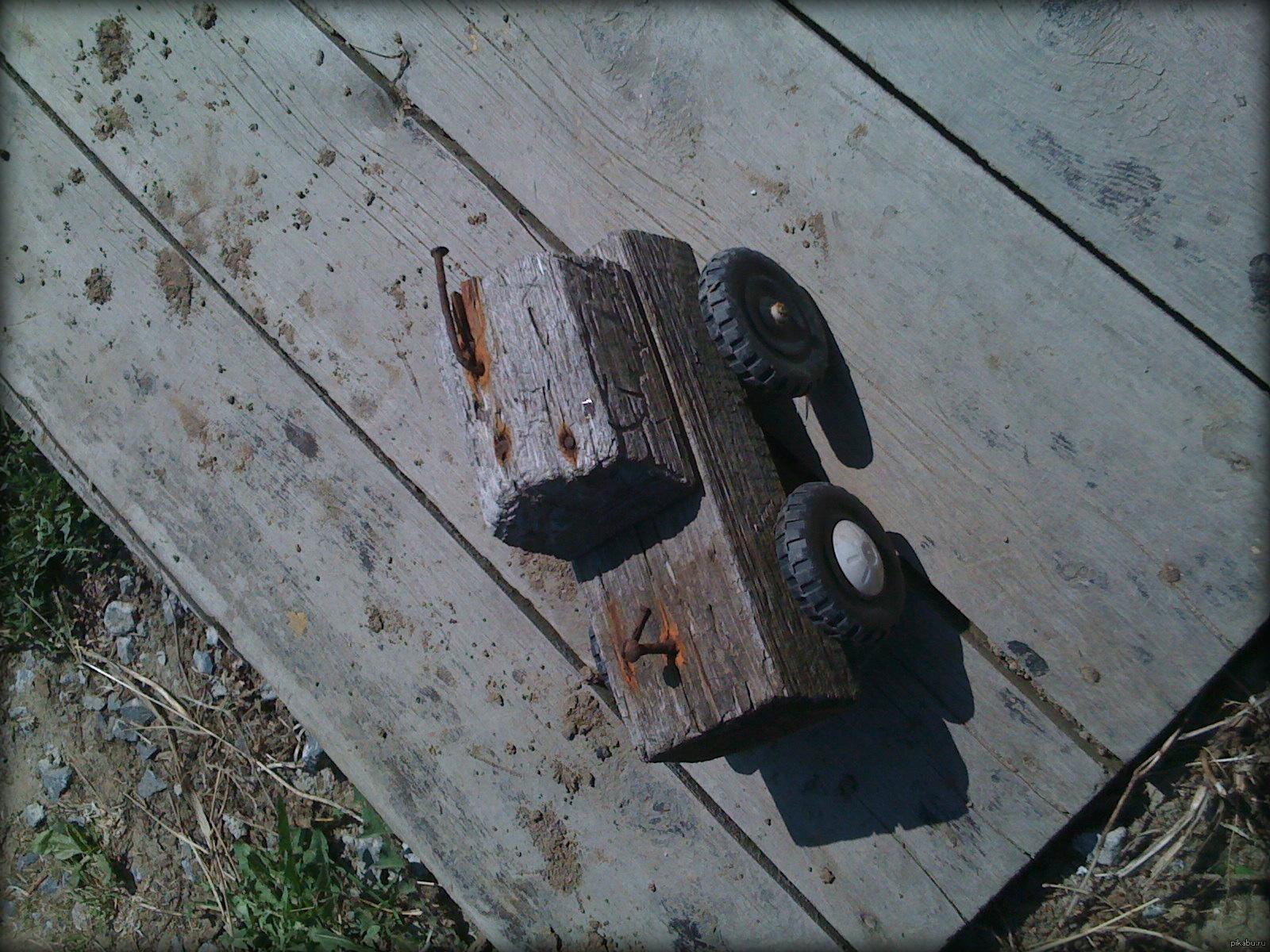 Прибивание гвоздей в сиськи, Бдсм гвоздями прибили сиськи - видео Последние 26 фотография