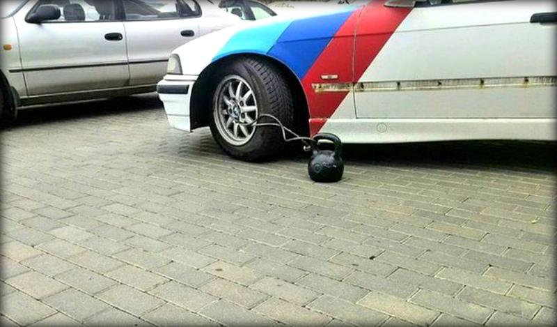 Народная месть за неправильную парковку (21 фото)