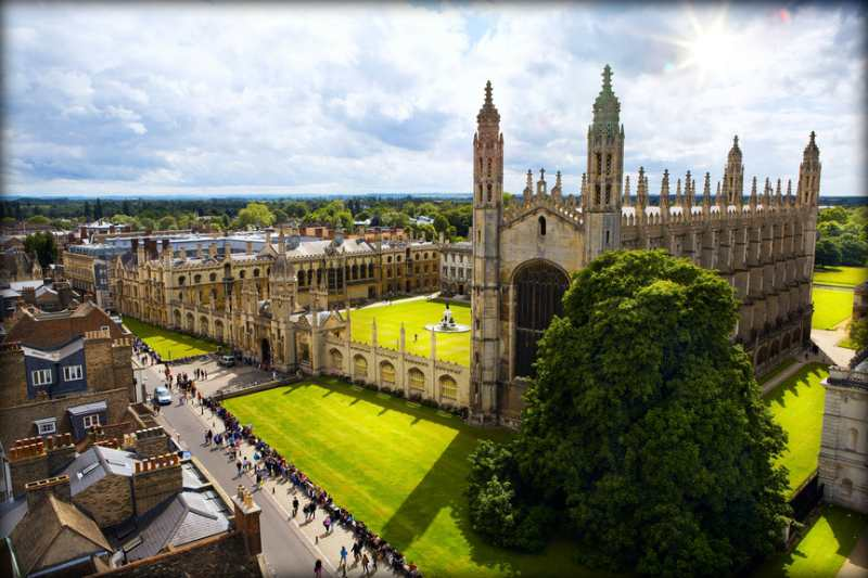 Лучшие университеты мира, где учились знаменитости
