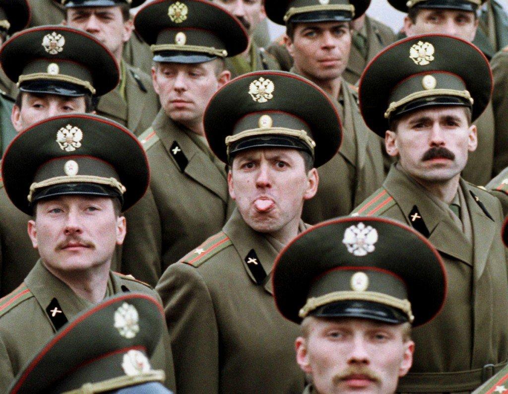 О тех, кто в цирке не смеется. Лучшие армейские приколы (фото + видео)