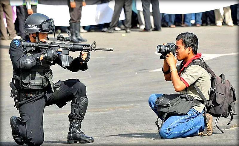 Фотографы, которые сделают все ради хорошего снимка (22 фото)