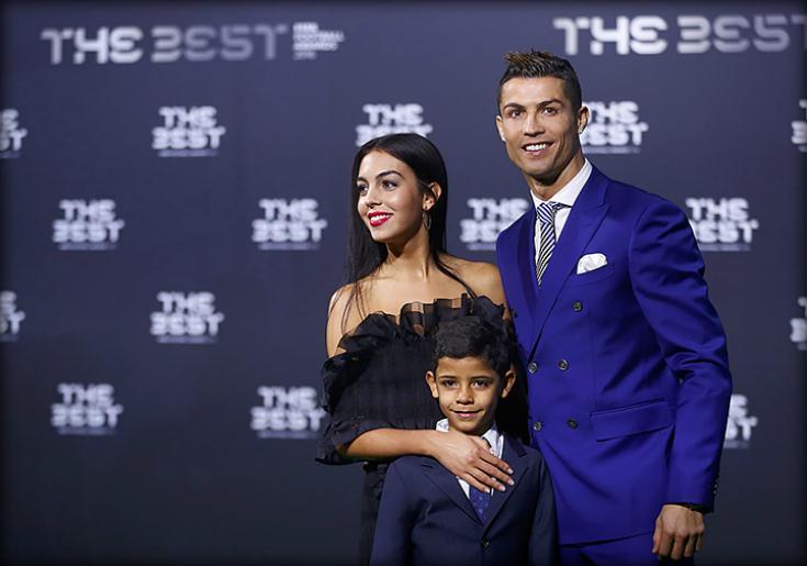 Криштиану Роналду стал отцом дважды! Лучший дубль лучшего футболиста.