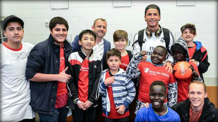 Игра в защите: Как звезды футбола занимаются благотворительностью.