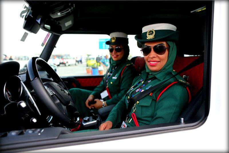 Гражданка начальница или как выглядят девушки-полицейские в разных странах мира