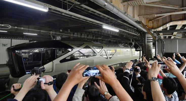 Японцы запустили поезд для миллионеров
