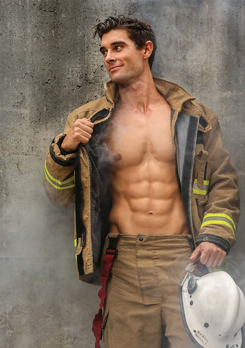 Фотографии из 2018 Australian Firefighters Calendar