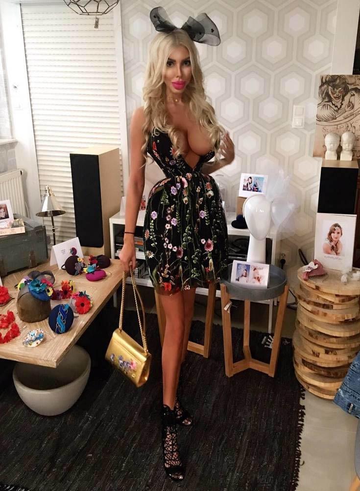 Барби существует! Девушка потратила $40 тысяч, чтобы стать куклой