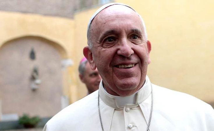 Подарить - чтобы продать. Как Папа Римский выставил подаренный Lamborghini на аукцион.
