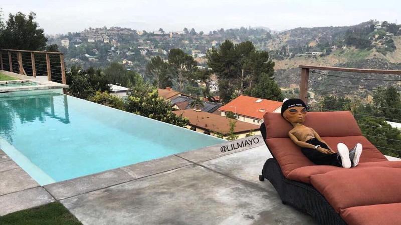 Инопланетянин, живущий в Лос-Анджелесе