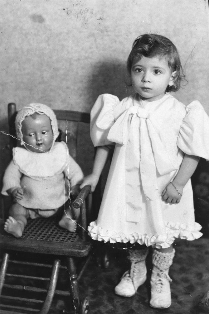 Нам не дано предугадать: тяжелая судьба детей, изображенных на фото