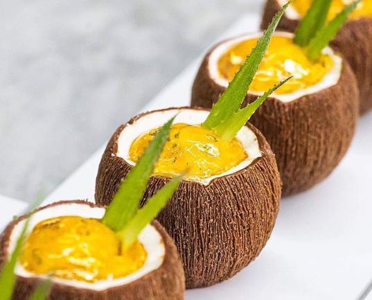 Кондитер создает отличные десерты, которые захочет каждый