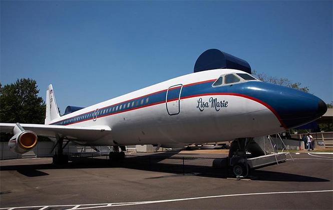 Самолеты а автобусы популярных рок-звезд